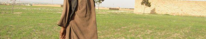 کاکا رحیم، پسر باهوش که در سرک ها کار میکند
